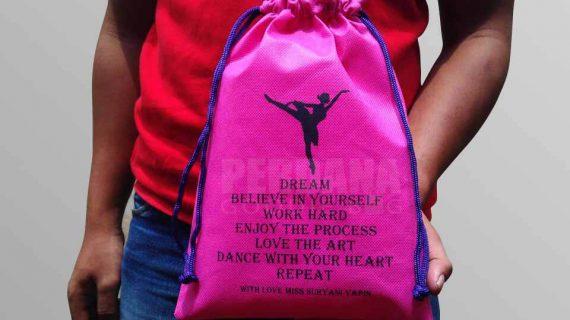 Pilihan Goodie Bag Serut Dengan Berbagai Jenis Bahan